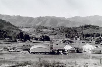 1975年撮影栃工校全景.jpg